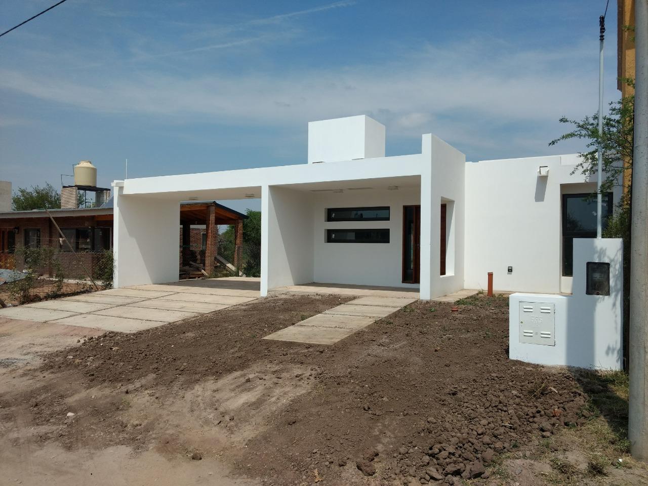 Casa 2D Villa Catalina – En venta – A estrenar!